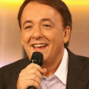 τηλεοπτικά πρόσωπα - Ανδρέας Μικρούτσικος