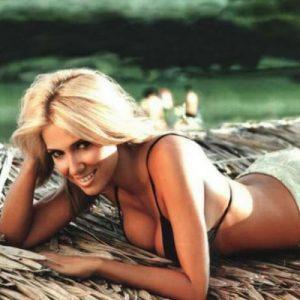 Ελληνίδες celebrities - Έλενα Παπαβασιλείου