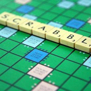 επιτραπέζιο παιχνίδι - Scrabble